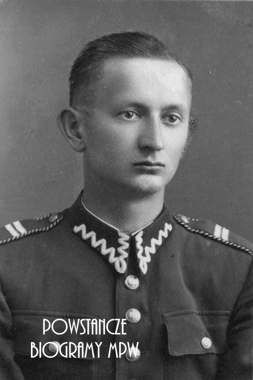 """ppor. Mieczysław Tuszyński """"Bończa"""". Fot. portretowa ze zbiorów Muzeum Powstania Warszawskiego, sygn. MPW-IP/5849"""