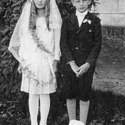 Jan i Zofia Bronikowscy - Pierwsza Komunia Święta - lata 30.