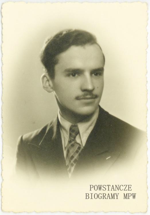 """Tadeusz Tyczyński """"Pudel"""" (1923-1944). Zdjęcie ze zbiorów Muzeum Powstania Warszawskiego, sygn. P/8400, dar p. Alicji Sieradzan z domu Celińskiej"""
