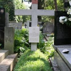 Odrestaurowana mogiła powstańcza Janusza Tomasza Kapuścińskiego. Fot. MPW