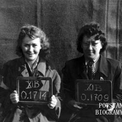 Fotografia z obozu jenieckiego XI B Fallingbostel, październik 1944 r. Z numerem jenieckim 0.1714 ppor. Krystyna Śliwińska-Majewska