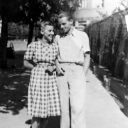 Gustaw Nowotny z Anną Nowotną - Warszawa, 1942. Fot. z archiwum rodzinnego Ewy Ciosek