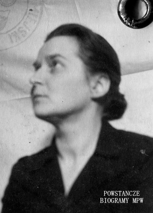 """Maria Bauer ps. """"Renata"""", """"Mama"""" (1902-1988) Zdjęcie z dokumentów z czasów okupacji - 1942 r. Fot. archiwum rodzinne"""