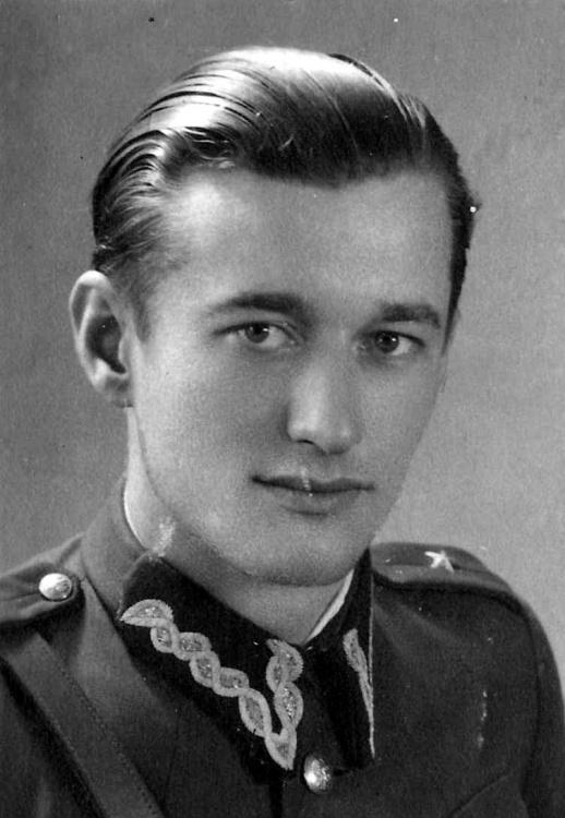 """Jan Piotrowski ps. """"Tur"""". Zdjęcie  z archiwum Zygmunta Piotrowskiego"""