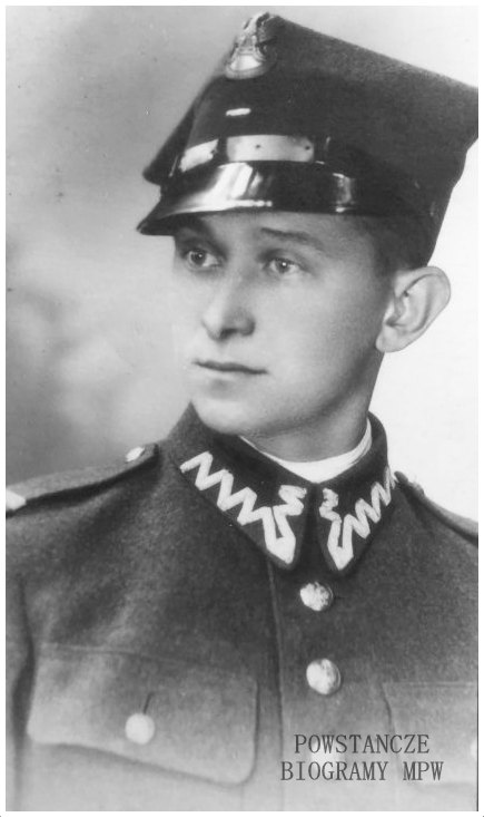 """Eugeniusz Lubieński  ps. """"Pająk"""" - na zdjęciu w mundurze WP, 1936/1937 rok. Fot. z archiwum rodzinnego syna Eugeniusza, p. Piotra Lubieńskiego. Udostępnił Krzysztof Lubieński."""