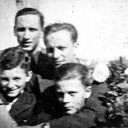 Wiosna 1943. Od lewej: Andrzej Hryniewicz