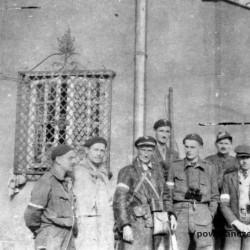 Fotografia z Powstania Warszawskiego. Żoliborz, Marymont. Żołnierze zgrupowania