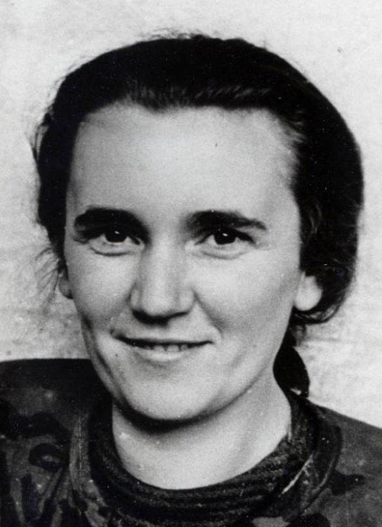 """Halina Zielińska - Stykowska ps. """"Chmurka"""", 1944 rok. Zdjęcie z archiwum rodzinnego syna, Jacka Stykowskiego."""