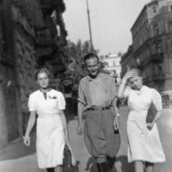 Lato 1942 r.- Jerzy Korwin-Wierzbicki oraz Barbara i Kalina Rogowskie. Ze zbiorów Urszuli Katarzyńskiej-Ballner / MPW