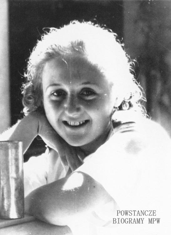"""Anna Maria Dwernicka - Adaszkiewicz ps. """"Jasna"""" (1926-2014) <ul>  Fot. z archiwum rodzinnego Andrew Adaszkiewicza</ul>"""