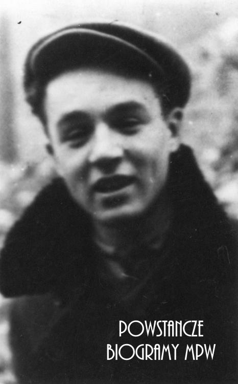 """st. strz. Witold Komosa """"Hańcza"""" (1925-1944). Fotografia portretowa ze zbiorów Muzeum Powstania Warszawskiego, sygn. P/8277"""