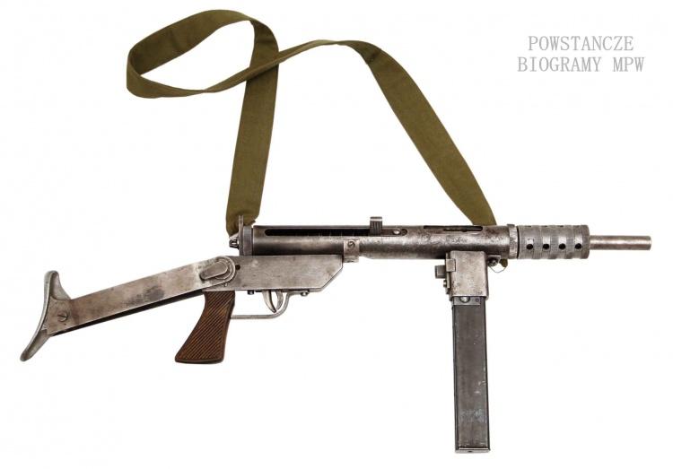 Pistolet maszynowy Błyskawica kal. 9 mm. konstrukcji inżynierów Seweryna Wielaniera i Wacława Zawrotnego. Fot. AR MPW