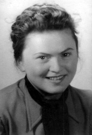 Danuta Jabłońska ok. 1943 r.  Zdjęcie ze zbiorów Marii Kosickiej.