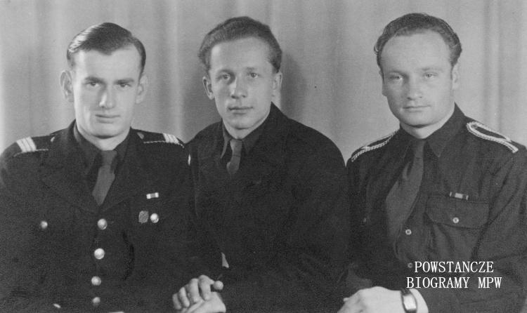 Józef Adam Gawlicki, na zdjęciu pierwszy z prawej. Fot. ze zbiorów MPW - sygn. P/8125, dar Antoniny Gawlickiej - Galej