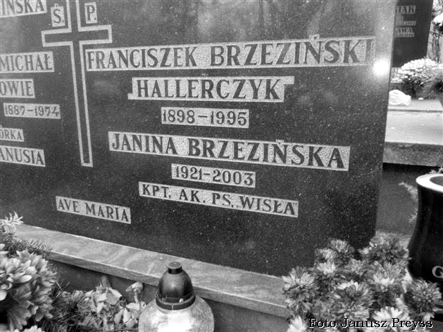 """Grób Janiny Grabskiej [Brzezińskiej] z domu Borsuk ps. """"Wisła"""" na Cmentarzu Gdynia Orłowo. Fot. Janusz Preyss"""