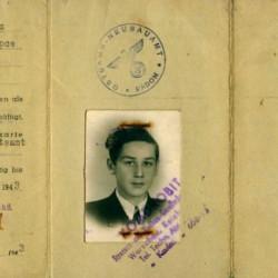 Ausweis Tadeusza Pawłowicza z okresu okupacji. Fot. archiwum rodzinne