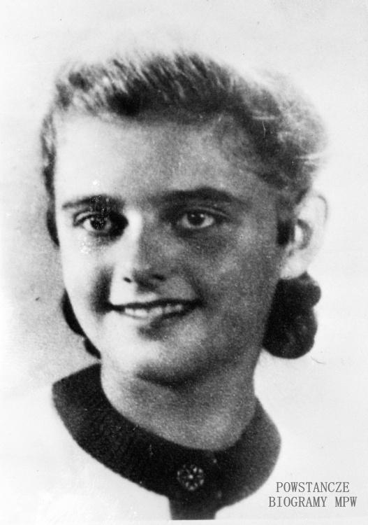 """Krystyna Niżyńska (1928-1944) Fot. ze zbiorów Muzeum Powstania Warszawskiego - batalion """"Zośka"""". Ujęcie tożsame: MPW-IK/3219 - zbiór Stanisława Kopfa"""
