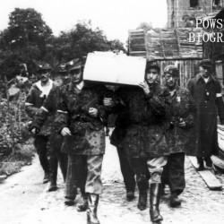 Fotografia z Powstania Warszawskiego. Wola. Żołnierze kompanii