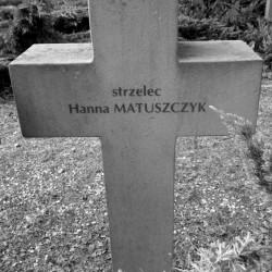 Mogiła sanitariuszki Hanny Matuszczyk na Cmentarzu Wojennym w Budach Zosinych. Fot. Mariusz Skroński.