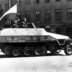 Transporter opancerzony Sdkfz 251/1 Ausf D.