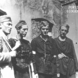 Fotografia z Powstania Warszawskiego. Śródmieście Północne. Żołnierze z Kompanii Szturmowej