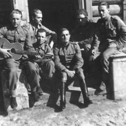 Jacek Wyszogrodzki - w środku, w furażerce - 1938 r.