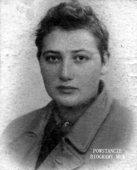 """Janina  Faryńska ps. """"Janka"""". Fot. wykonana po Powstaniu Warszawskim. Z archiwum rodzinnego syna, Marka Łuszczyka."""