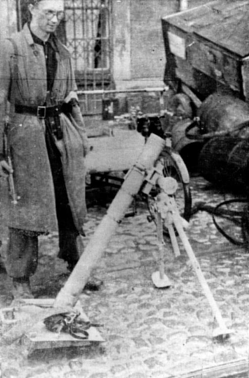 """Zbigniew Storożyński ps. """"Fernando"""" . Wola, 3 sierpnia 1944 r. Fot. AR MPW"""