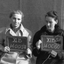 Fotografia z obozu jenieckiego w Fallingbostel XI B. Od lewej plut. Barbara Fijewska-Dobrzyńska