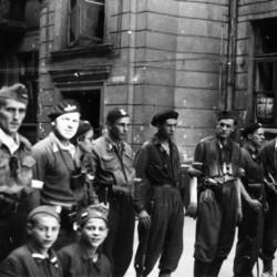 Zbiórka pododdziału szturmowego z I kompanii batalionu KB