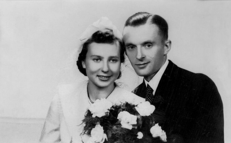 Zdjęcie ślubne :  Elżbieta Tarnowska z Grodzickich i Jan Tarnowski ( 20.09.1941). Zdjęcie ze zbiorów rodzinnych Stanisława Tarnowskiego