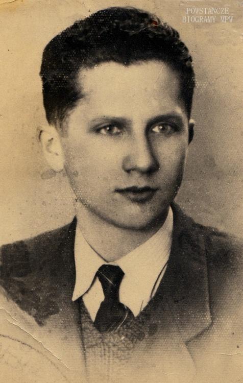 """Józef Dołęgowski ps. """"Leśniewski"""" (1921-1944). Fot. z archiwum Cecylii Halickiej z domu Oziemskiej ps. """"Seli""""."""