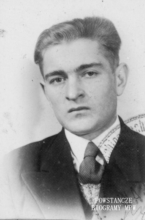"""Jan Dziugieł ps. """"Emil"""" (1923-1971) Zdjęcie z okresu okupacji. Fot. archiwum rodzinne."""