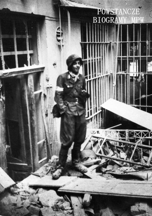 """""""Leszczyc"""" na ulicy Rysiej. Fot. ze zbiorów Muzeum Powstania Warszawskiego, sygn. MPW-IH/5567"""