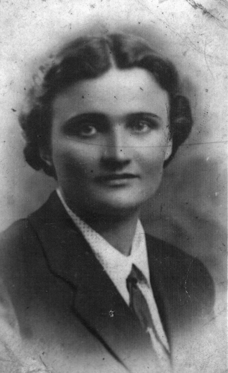 Irena Szuch z d.Tkaczyńska. Zdjęcie z archiwum rodzinnego p. Bogny Lewtak-Baczyńskiej.