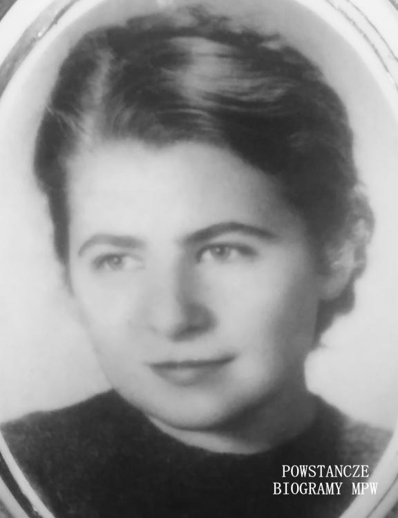 """Sanitariuszka Leopolda Józefa Wanat ps. """"Marta"""" (1921-1944). Fot. portretowa z Powązek Wojskowych. Zdjęcie udostępniła Magdalena Ciok"""