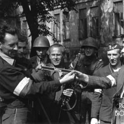 Powstanie Warszawskie, ogród Konserwatorium Warszawskiego na Okólniku, dowódca Kolumny Motorowej