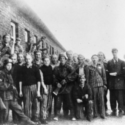 Fotografia z Powstania Warszawskiego. Obóz
