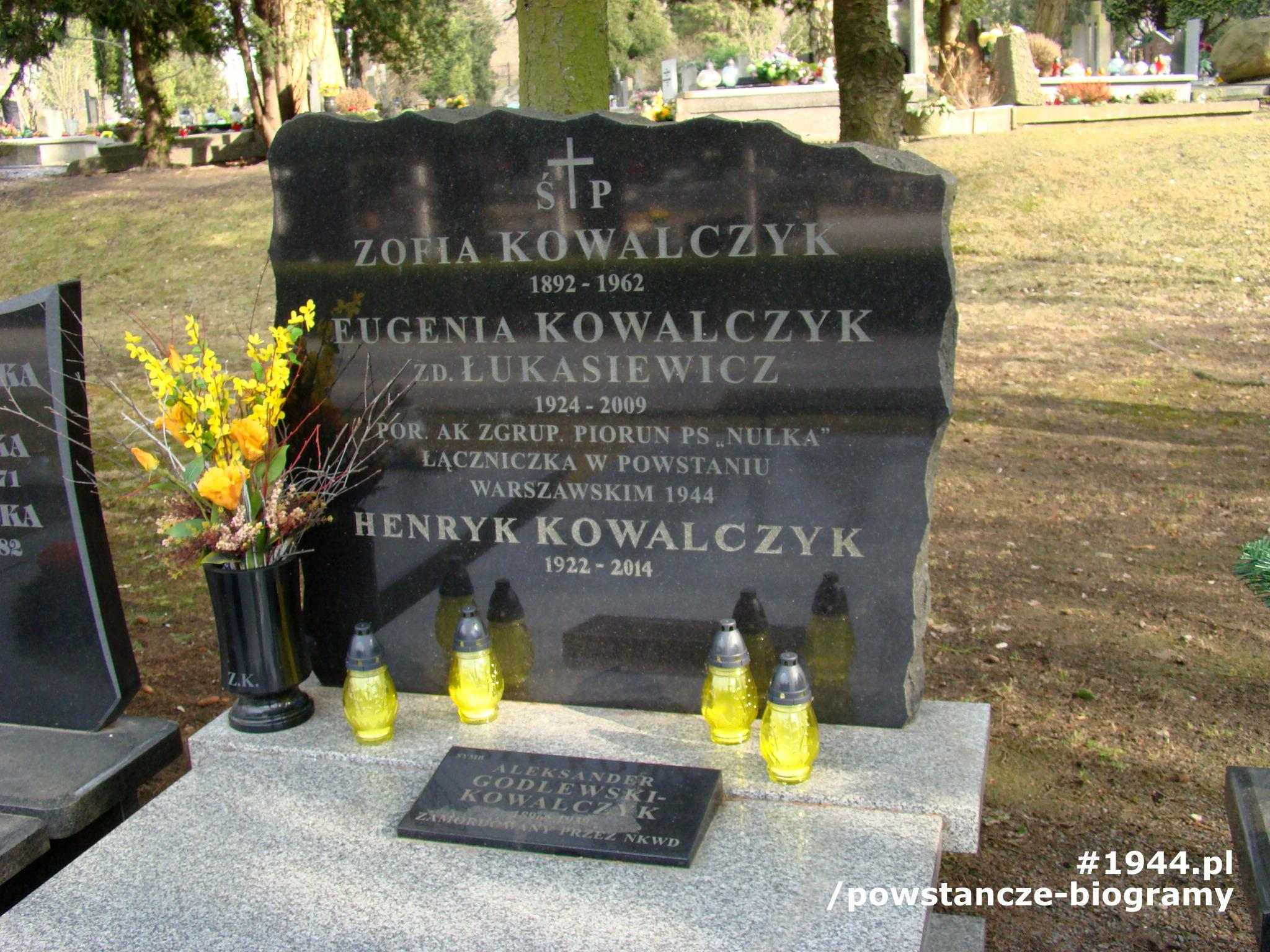 Powązki Wojskowe. Fot. p. Beata Trzcińska