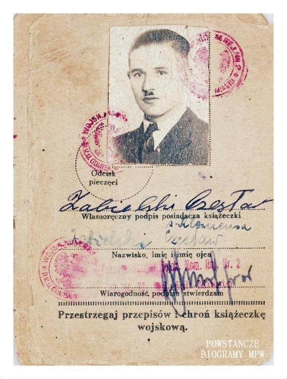 """Czesław Zabielski ps. """"Czesław"""" (1909 -1984) - książeczka wojskowa. Fot. AR MPW"""