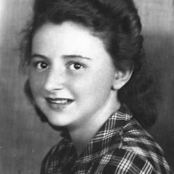 Jagoda Łodzińska (Maria Jadwiga Łodzińska) na zdjęciu dwa lata po Powstaniu Warszawskim. Fot. z archiwum rodzinnego Witolda Smoleńskiego