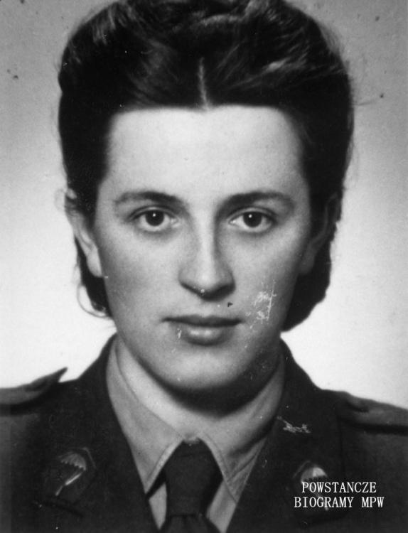 """Irmina Kobylańska- Nawrocka ps. """"Irma"""" - ok. 1945 r.  Fot. ze zbiorów Muzeum Powstania Warszawskiego, sygn. MPW-IP/2589"""