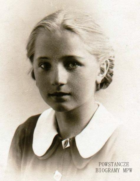 """Elżbieta Kowalczyk ps. """"Szymanowska"""" w  1939 r. Fot. z archiwum rodzinnego  bratanicy, p.  Ewy Wolskiej z d. Kowalczyk"""