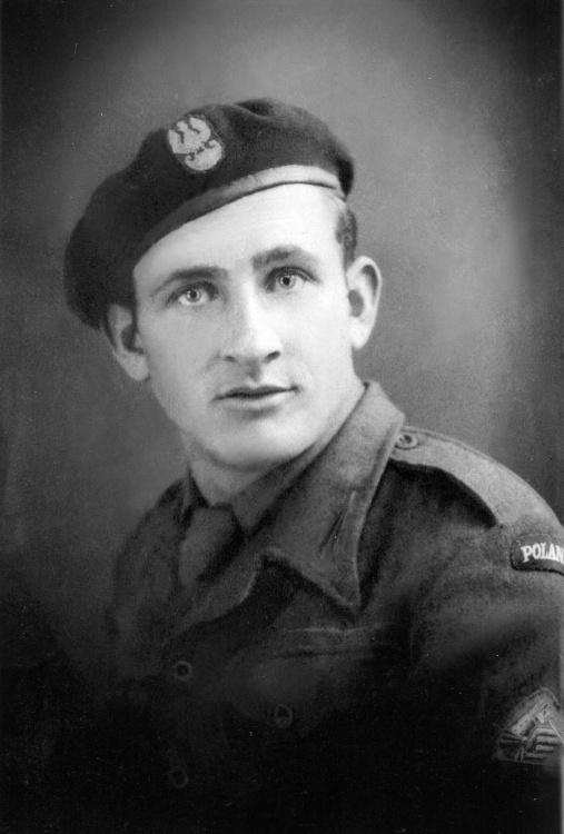 """Marian Hoff ps. """"Flak"""" jako żołnierz II Korpusu, 1946 rok. Z archiwum rodzinnego Jakuba Hoffa"""