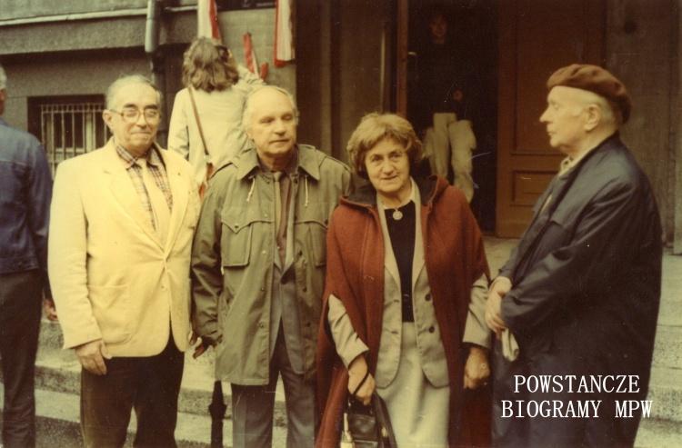 """Zdzisław Sadowski """"Pięść"""", Zbigniew Siwecki """"Zbych"""", Krystyna Brzozowska """"Nasza"""". Fot. z archiwum rodzinnego Marii Bourquin - Rulskiej, obecnie w zbiorach MPW, sygn. P/8458"""