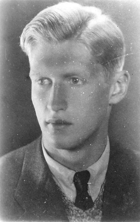 """Andrzej Romocki ps. """"Morro"""" (1923-1944)."""