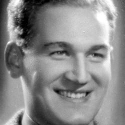 Jan Markowski, lata 30-te. Autor zdjęcia : Ludwik Hartwig. Zdjęcie w zbiorach NAC, sygn. 1-K-6678