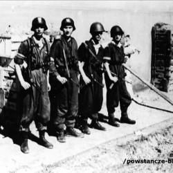 Śródmieście Południe. ul. 6 Sierpnia. Żołnierze III kompanii tzw.