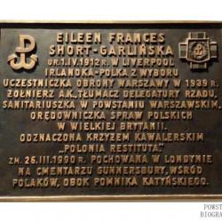 Tablica upamiętniająca heroiczną postawę Eileen Frances Short-Garlińskiej -  Katedra  Polowa Wojska Polskiego w Warszawie.