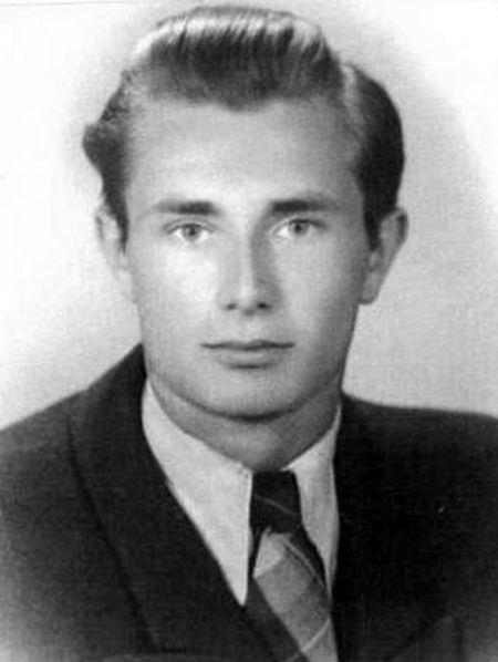 """Artur Nowakowski """"Lis"""" - zdjęcie z lipca 1944 r. Archiwum rodzinne."""